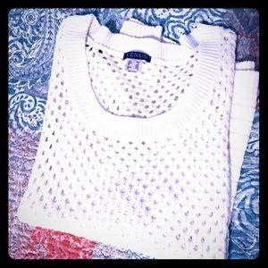 NEW Oversized Sweater. White Size M.